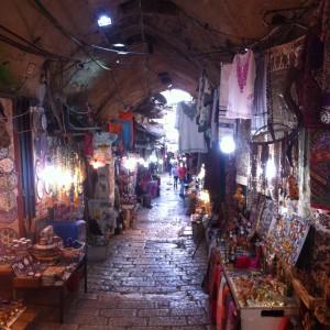 Gassen mit Basar in Jerusalem